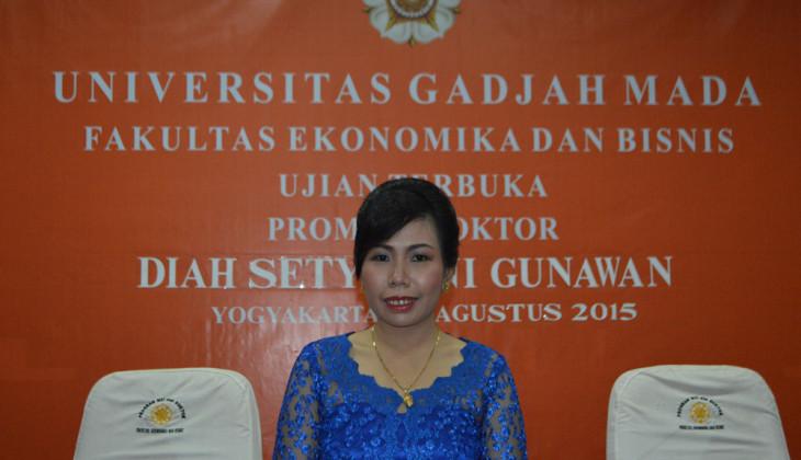 Raih Doktor Usai Teliti Pembangunan Ekonomi Indonesia