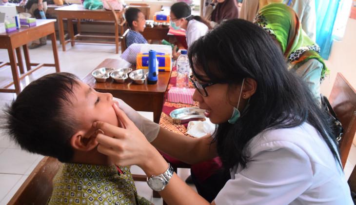 Mahasiswa KKN UGM Gelar Pemeriksaan Gigi Gratis