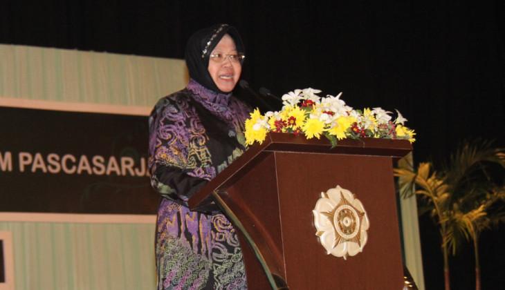 Risma Isi Kuliah Perdana Mahasiswa Pascasarjana UGM