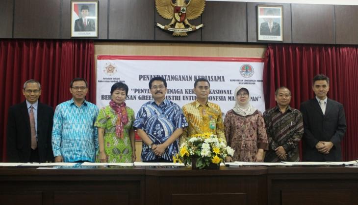 Sekolah Vokasi Kerja Sama Dengan 17 Instansi dan Perusahaan Indonesia