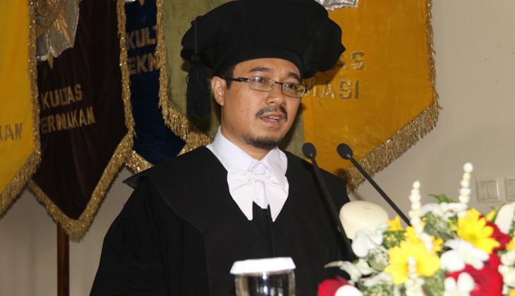 Prof. Dr. Akhmad Kharis Dikukuhkan Sebagai Guru Besar