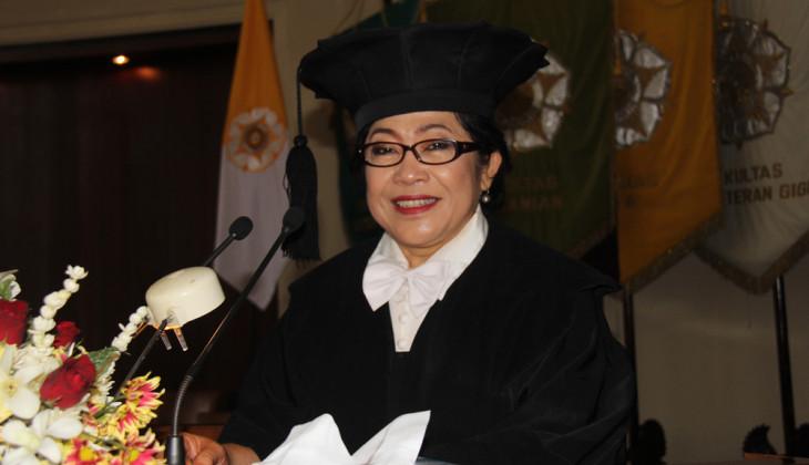 Ida Rochani Dikukuhkan Sebagai Guru Besar