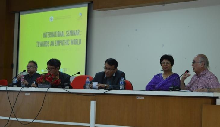 Suasana Seminar Toward an Empathic World
