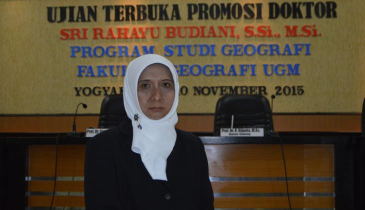 Teliti Pola Keruangan Lokasi Industri Koridor Semarang-Solo, Budiani Raih Doktor