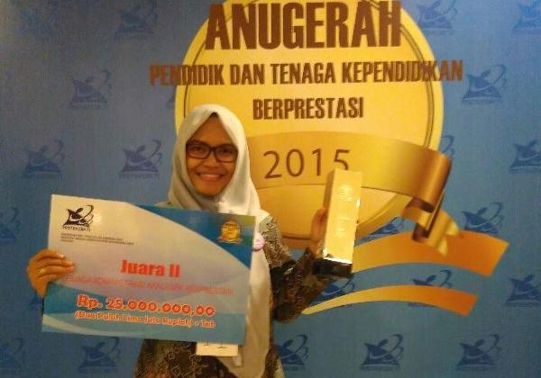 UGM Juara 2 Kategori Administrasi Akademik Berprestasi Tingkat Nasional 2015