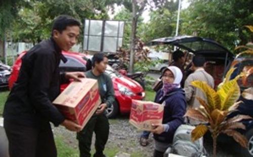 UGM Kirim Tim Relawan Peduli Banjir Jakarta
