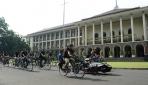 Sepeda Gembira Dipimpin Mobil Listrik Arjuna