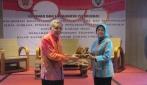 Prof. Suratman dan Nora Ekalina Hanafi