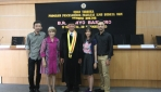 Drs. Suryo Baskoro, M.A., bersama keluarga usai ujian terbuka program doktor. (Foto: dok. FIB UGM)