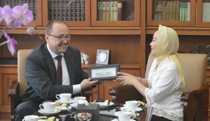 Parlemen Hungaria Jajaki Kerja Sama dengan UGM