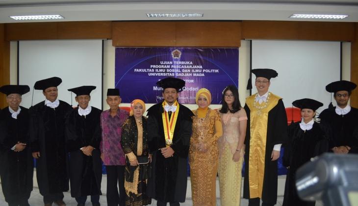 Dr. Muh Qodari, Keluarga dan Penguji
