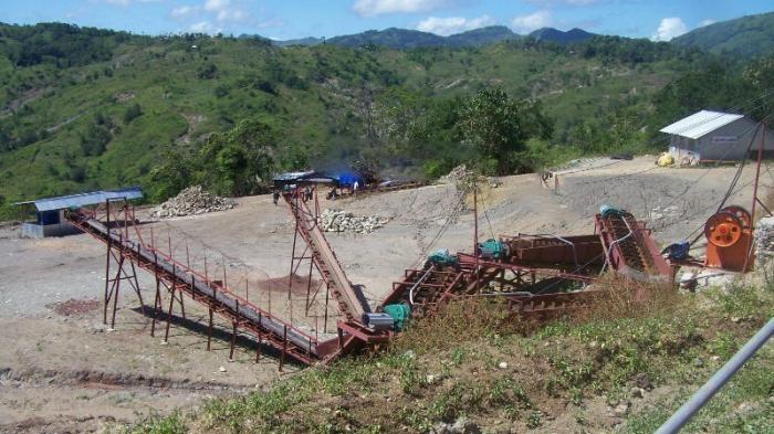 Salah satu lokasi pertambangan mangan (sumber:kupang.tribunnews.com)