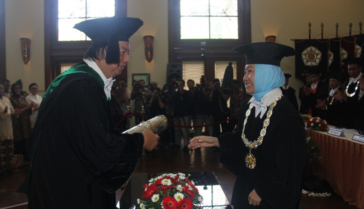 Gelar Doctor HC untuk Dato' Sri Prof. Dr. Tahir, MBA
