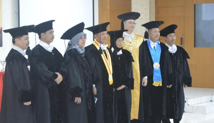 Walikota Palangka Raya Berfoto Bersama Tim Penguji
