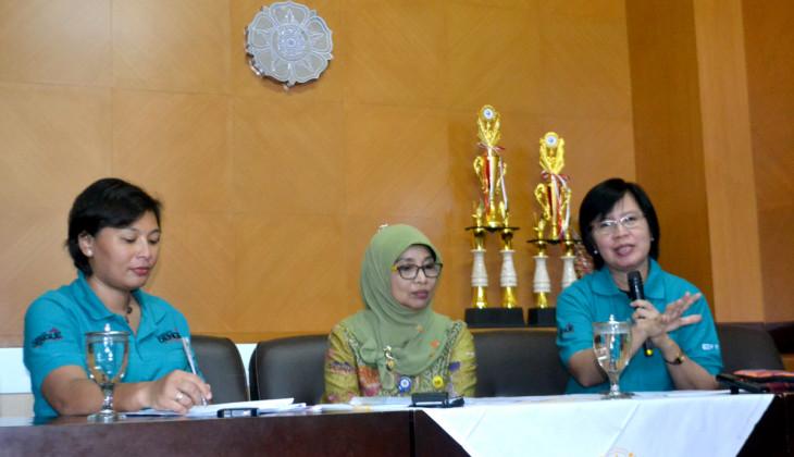 Adi Utarini dan Tim EDP UGM