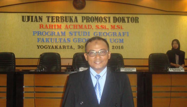 Rahim Raih Doktor Usai Kaji Hidrogeologi Pulau Ternate