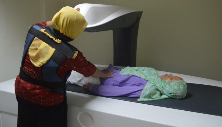 RS UGM Pecahkan Rekor MURI Pemeriksaan Kepadatan Tulang Terbanyak dalam Sehari