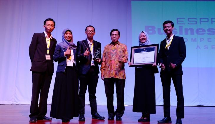 Tim UGM Raih Gelar Juara Kedua dalam Espriex Business Model Competition ASEAN 2016