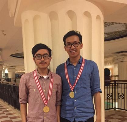 Tim EDS UGM raih juara 1 di Asian English Olympic 2016.
