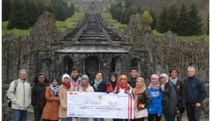 Dua Belas Mahasiswa PWK Bawa 'Kampung' Keliling Jerman