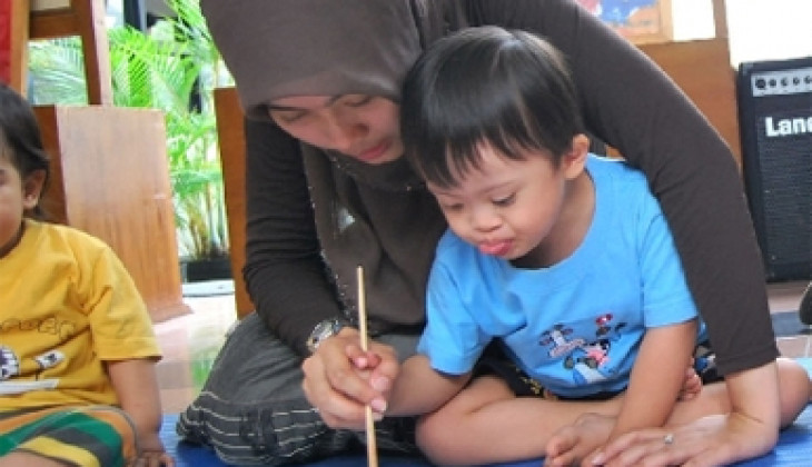 Anak Down Syndrom Butuh Perhatian Lebih Dari Orang Tua(foto: Republika.co.id)