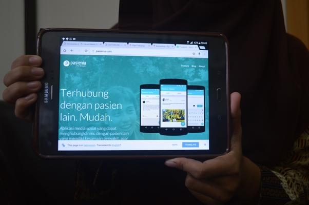 Pasienia merupakan aplikasi berbasis android yang menghubungkan antar pasien dan keluarga untuk saling berbagai informasi terkait penyakit yang diderita.