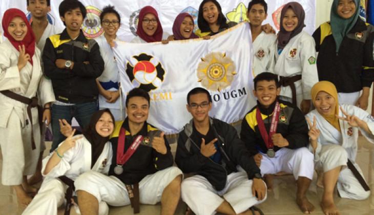 Atlet UGM Sabet 2 Medali Perak Kejuaran Kempo Se-ASEAN  beberapa waktu lalu.
