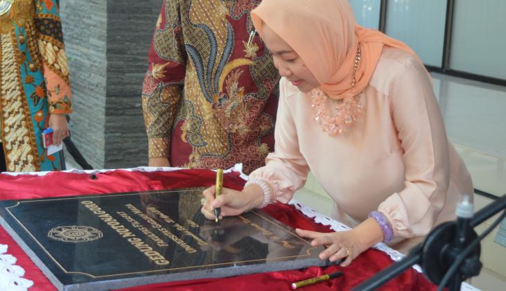 Rektor UGM Resmikan Gedung Baru Fakultas Filsafat