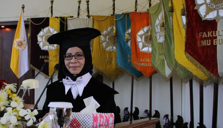 Prof Juliasih Kusharyanto Dikukuhkan Sebagai Guru Besar