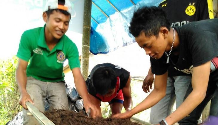 Mahasiswa UGM Mengembangkan Integrated Farming di Dusun Pending