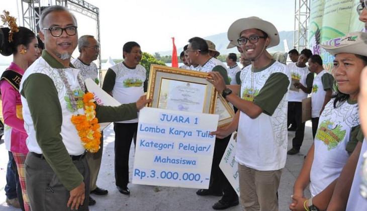 Mahasiswa UGM Raih Penghargaan dari Menteri Lingkungan Hidup dan Kehutanan