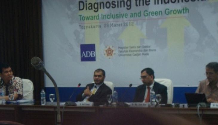 FEB Gelar Diskusi Mendiagnosis Ekonomi Indonesia