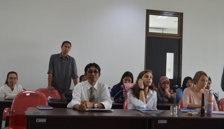 Puluhan Mahasiswa Amerika Belajar Filsafat Indonesia