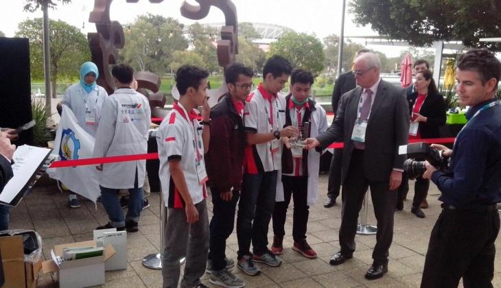 Tim UGM Juara Kompetisi Chem-E-Car di Australia