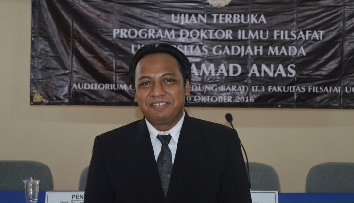 Kaji Kritik Nalar, Moh Anas Raih Doktor