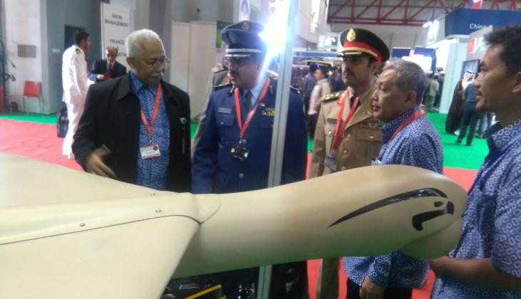 Pesawat dan Kapal Tanpa Awak UGM Tampil di Indo Defence 2016.