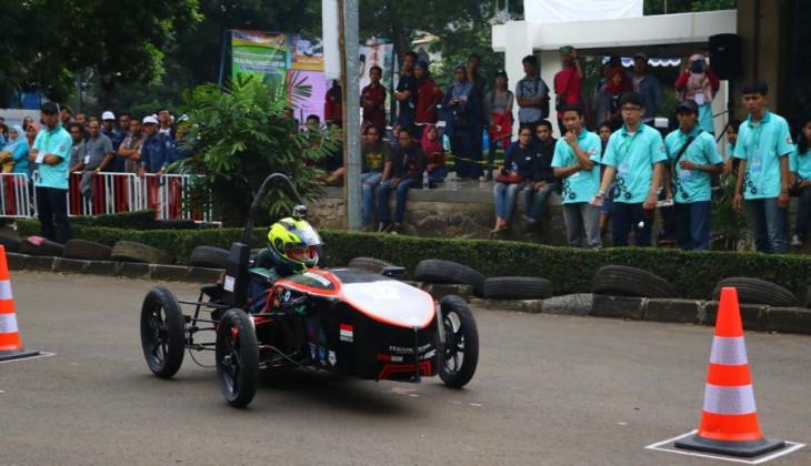 Mobil Listrik Arjuna Raih 3 Penghargaan Kontes Mobil Listrik Indonesia 2016