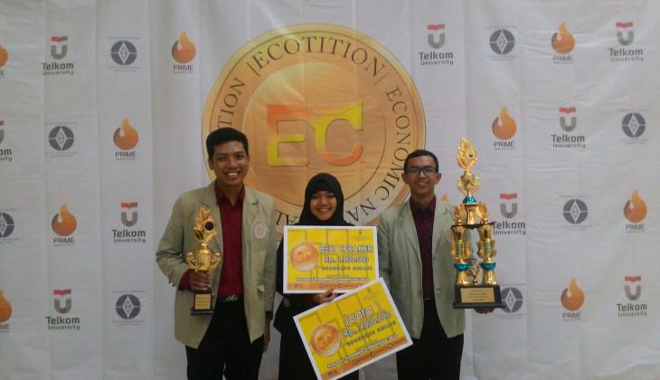 UGM Juara Debat Isu Ekonomi Nasional