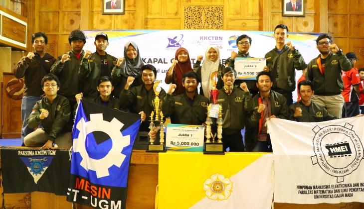 Tim Roboboat UGM Menang Kontes Kapal Cepat Tak Berawak Nasional 2016