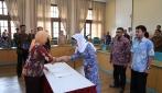 Rektor UGM Melantik Dekan Sekolah Pascasarjana