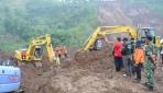 Rektor UGM Memimpin Tim Mitigasi Bencana Longsor di Ponorogo