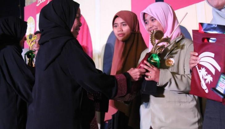 Mahasiswa Sastra Arab Borong Piala Festival Timur Tengah