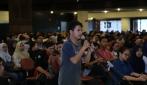 Alumni UGM Berbagi Cerita dengan Para Calon Wisudawan