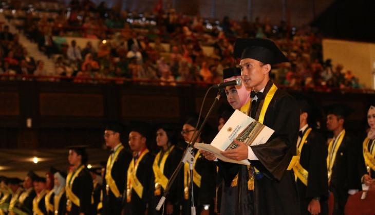 UGM Mewisuda 1.675 Lulusan Sarjana dan Diploma