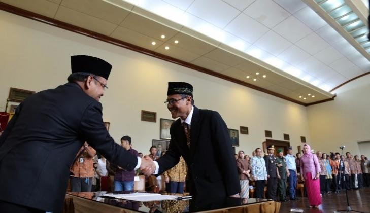 Prof. Panut Dilantik Sebagai Rektor UGM