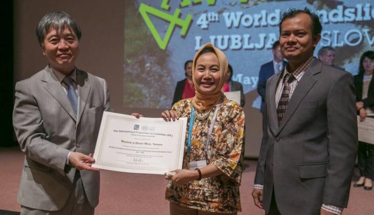 UGM Raih Penghargaan Internasional Pengurangan Risiko Bencana Longsor