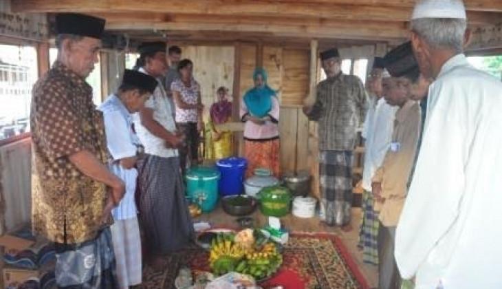 Mengungkap Kearifan Lokal Masyarakat Pembuat Perahu Pinsi di Bonto Bahari Bulukumba