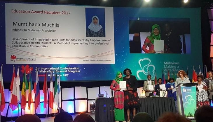 Dosen SV UGM Terima Penghargaan Bidan Internasional di Kanada