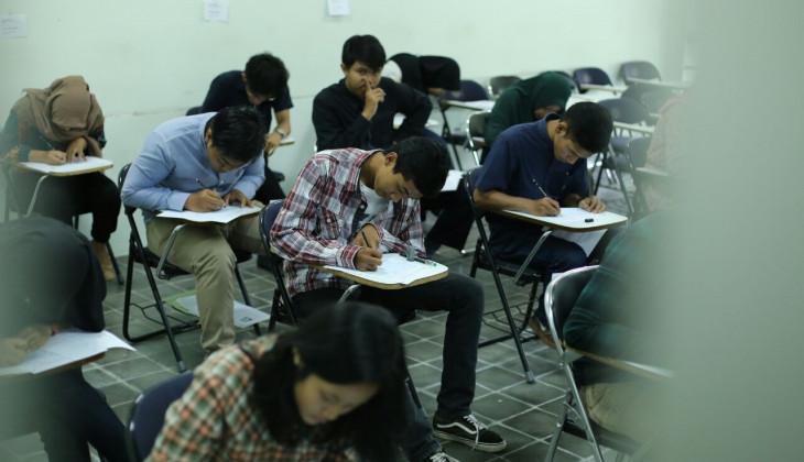 7.041 Peserta Mengikuti Ujian Tulis Gelombang 2