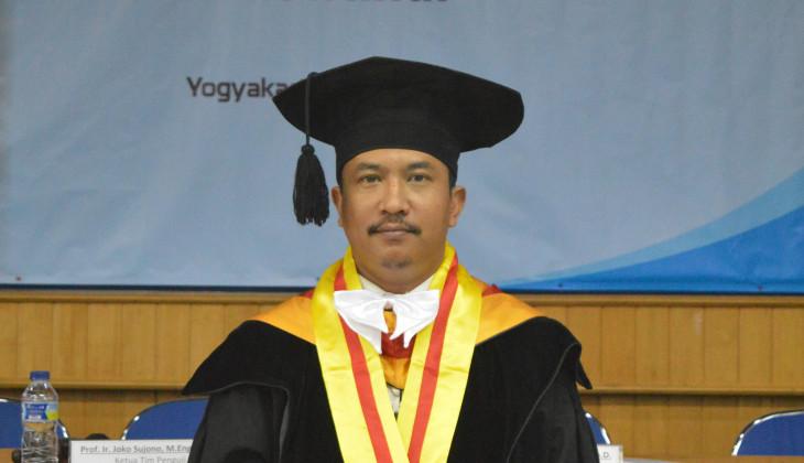 Raih Dokter Usai Teliti Gerusan Pasir Lepas Akibat Tsunami